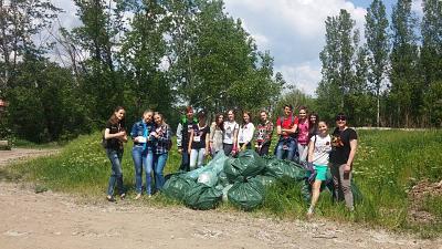 Нажмите на изображение для увеличения Название: Сбор мусора у реки.jpg Просмотров: 66 Размер:98.1 Кб ID:260